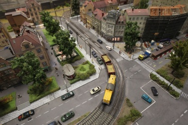 LOXX Miniature Train Landscape Recreates Central Berlin