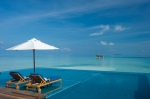 New Infinity pool on Rangali Island - Coolest_Infinity_Pools_Around_the_World_04